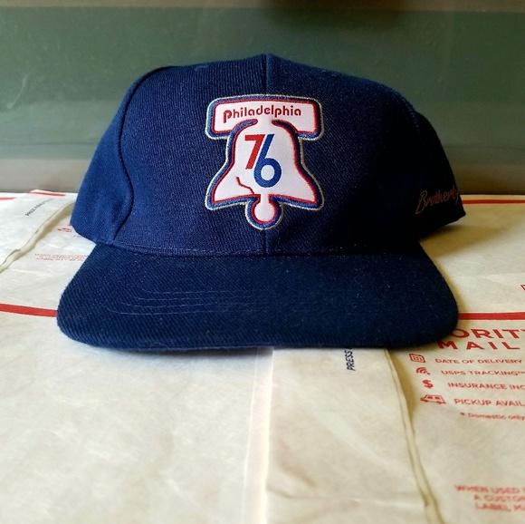44aa729eb81 Vintage Philadelphia 76ers Snapback Hat. M 5bda93d0819e9025b8677ab8